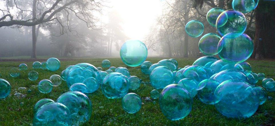 les bulles de savon bleues du collectif ébulitions